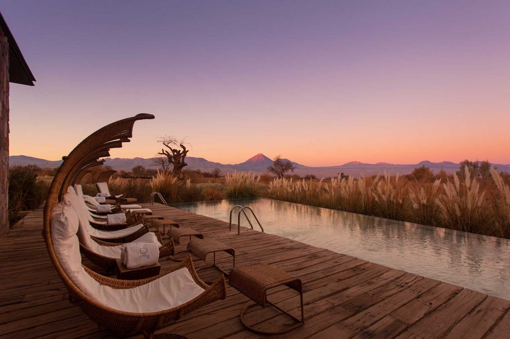tierra-atacama-pool-sunset