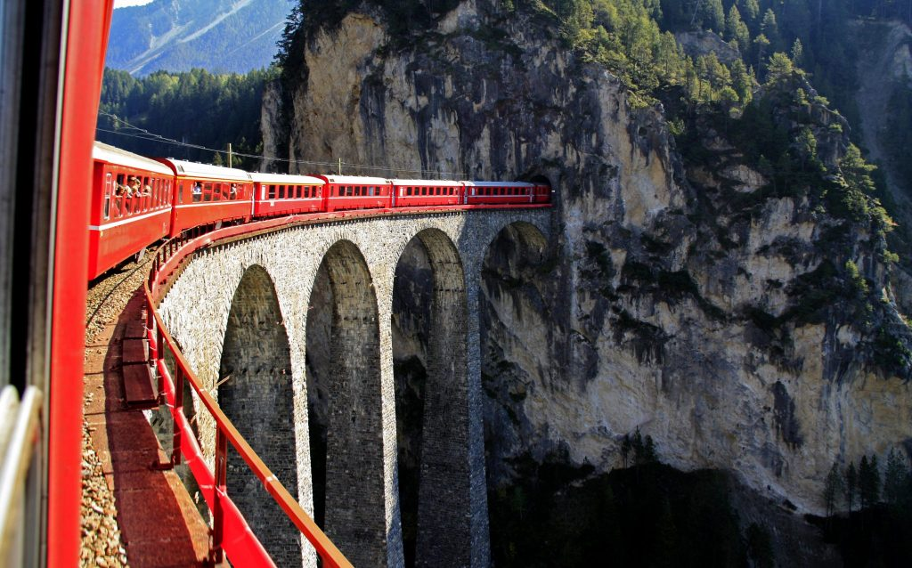 glacier_express_crossing_bridge_switzerland