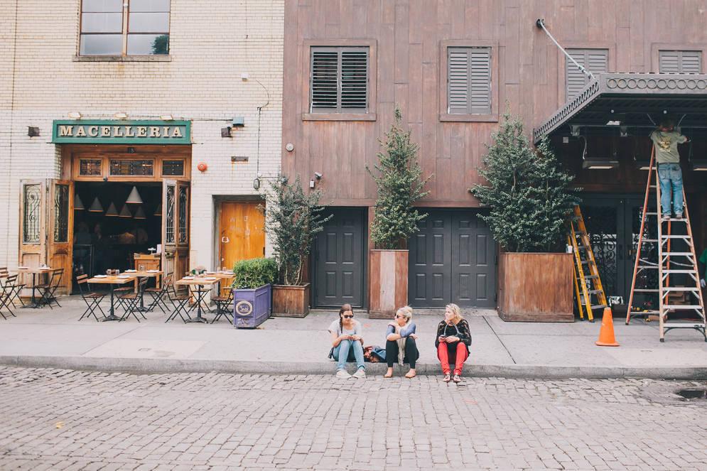 Julia Robbs e Kenn Tam - Airbnb